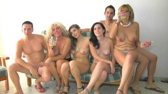 Mujer Soltera Con 574739
